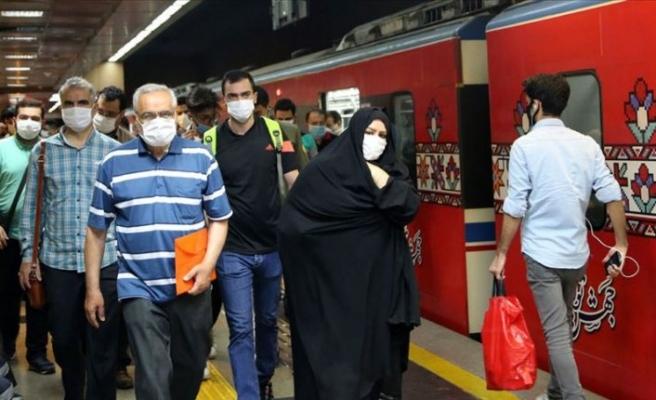 İran zor günler yaşıyor: İkinci dalgayla birlikte ölüm oranları yeniden arttı