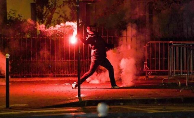 Şampiyonlar Ligi şampiyonluğunu kaybeden PSG taraftarları Paris'i savaş alanına çevirdi: 148 kişi gözaltında