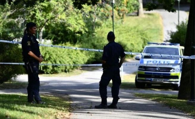 Stockholm'de bir kişi boynundan bıçaklandı