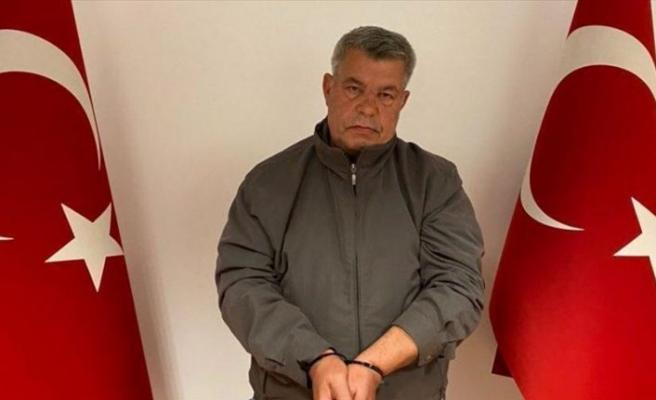 Bir dönem Avrupa'da Türk vatandaşlarından baskıyla haraç toplayan PKK'lı, MİT'in özel operasyonuyla Türkiye'ye götürüldü