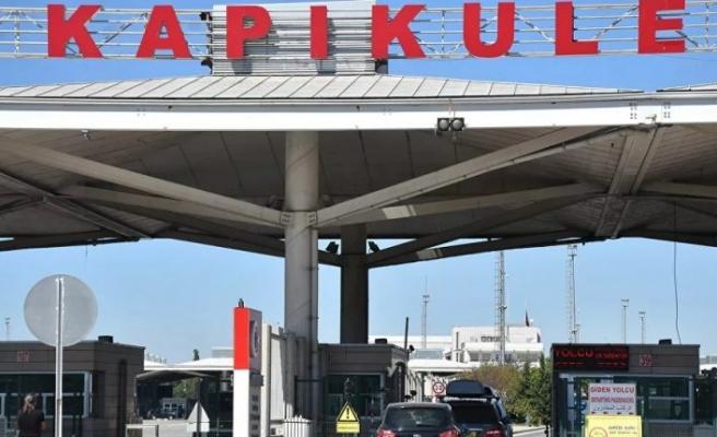 Bulgaristan karantina kuralını kaldırınca Kapıkule'den 'Alışveriş' için yoğun girişler başladı