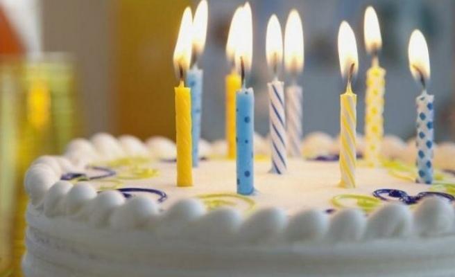 İsveçli bilim insanları: Doğum günü şarkısı söylemeyin