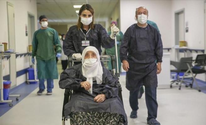 Türkiye'de vaka ve can kayıplarında artış gözleniyor