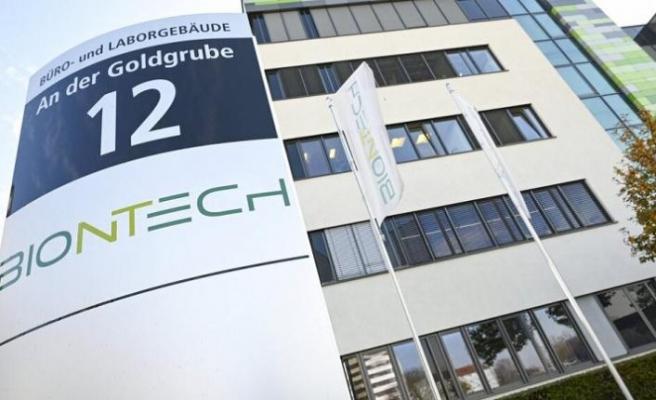 Covid-19 aşısının bulunmasında Almanya'daki Türk doktorların başarısı