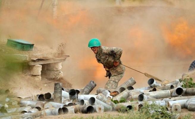 Ermenistan, Dağlık Karabağ çatışmalarında 2 bin 300'den fazla asker kaybettiğini açıkladı