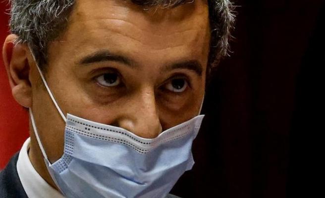 Fransa İçişleri Bakanı'ndan Müslüman ailelere skandal tehdit!