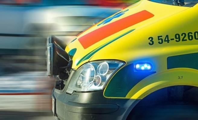 Araba devrildi ağır yaralanan sürücü hastaneye kaldırıldı