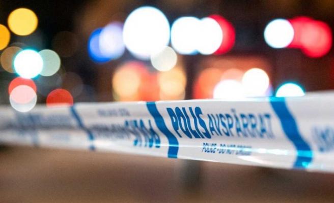 Otel önünde bıçaklı saldırı