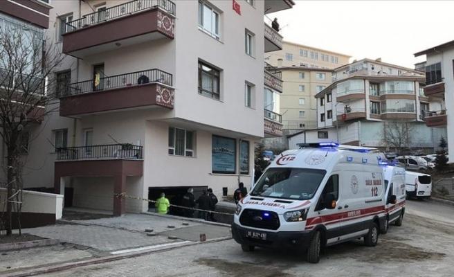 Ankara'da bir binanın garajında 3 gencin cesedi bulundu