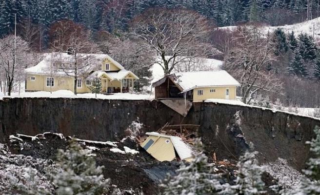 Norveç'te heyelan: Ölenlerin sayısı 4'e yükseldi, kayıp 6 kişiyi arama çalışmaları sürüyor