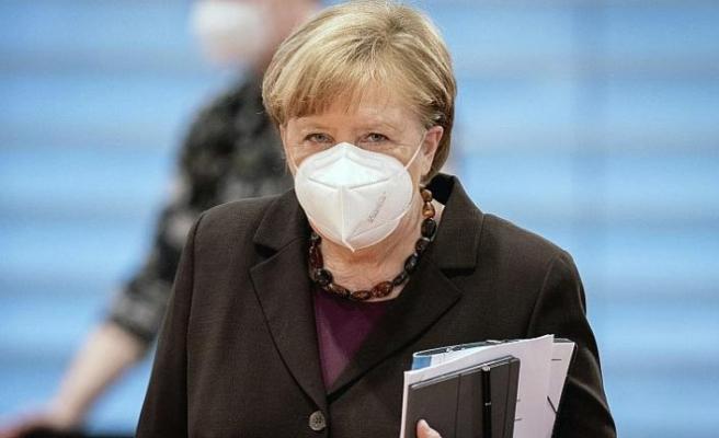 Almanya Başbakanı Merkel'den aşı pasaportuna destek