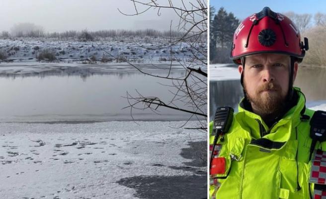 Buz tutan nehirden geçmeye çalışan kadın ve köpeği mahsur kaldı