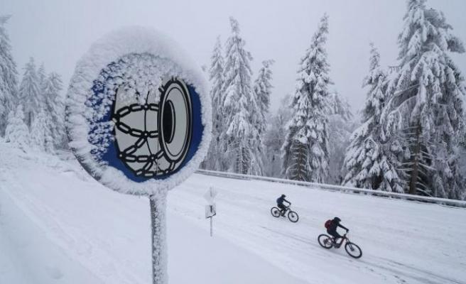 Norveç, kar zinciri takmayan kamyon şoförünü sınır dışı etti