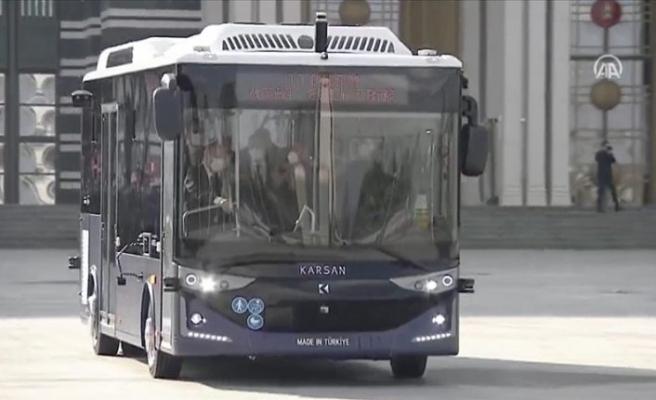 Türk mühendislerince geliştirilen dünyanın ilk seri üretim 4. seviye sürücüsüz elektrikli otobüsü