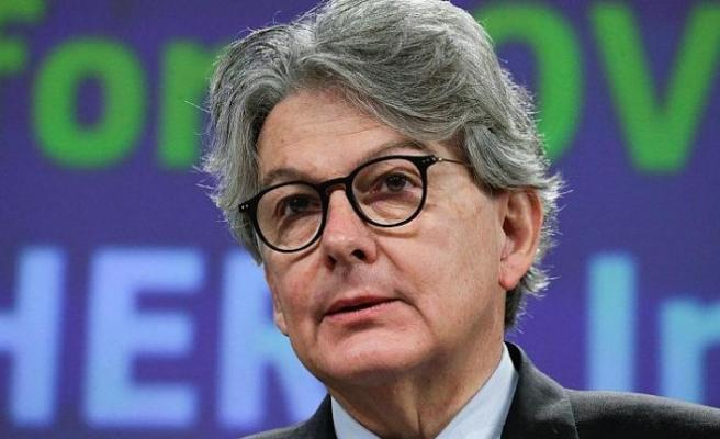 Avrupa Birliği, turizm sezonu için aşılamanın hızlandırılmasını istiyor