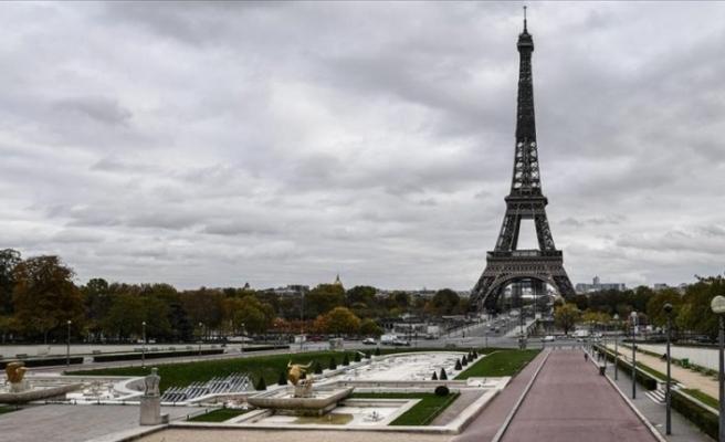 Salgının pençesinde olan Paris ile ilgili kritik karar
