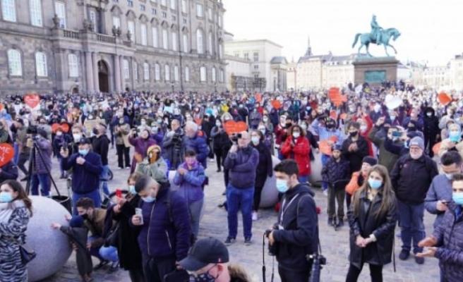 Danimarka'da, Suriyeli mültecilerin gönderilmesi protesto edildi