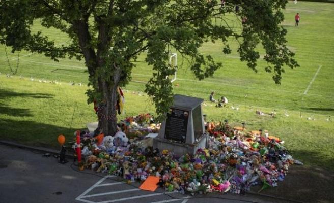 Kanada'da bir kilise okulunun yakınında 182 çocuk mezarı bulundu