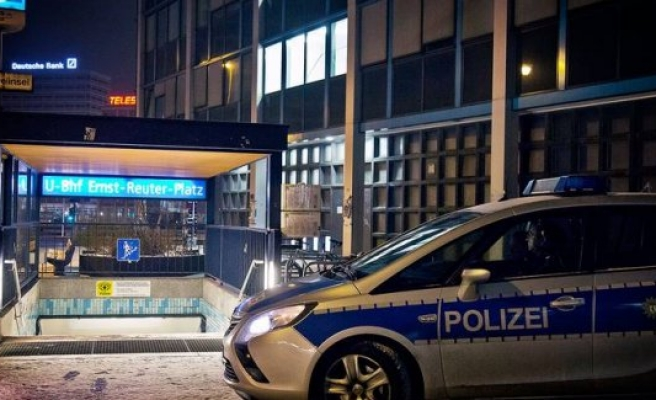 20 yaşında ki İsveçli kızı trenin önüne atarak öldürdü