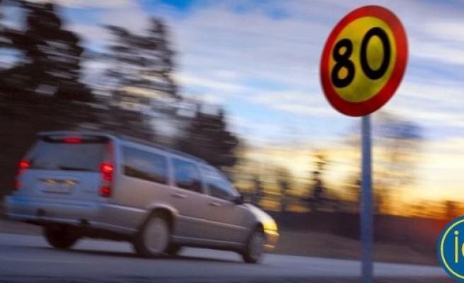 80'lik yolda 100'le giden şoföre, 500 bin kron hız cezası