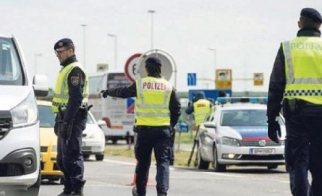 AB'de sınır kontrolleri tekrar uzatılıyor