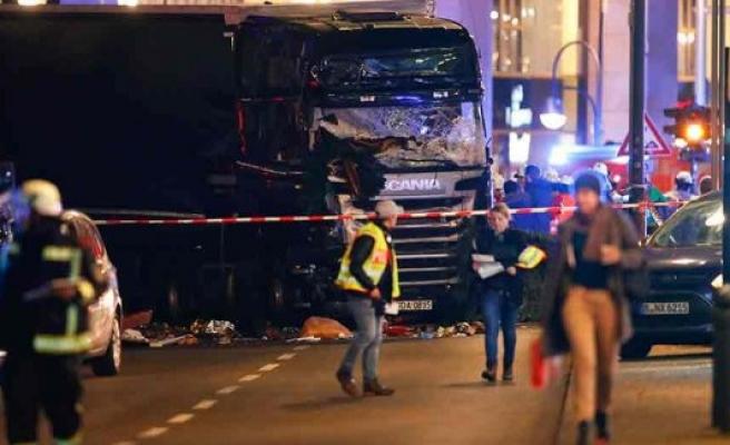 Almanya'da terör saldırısı onlarca ölü var