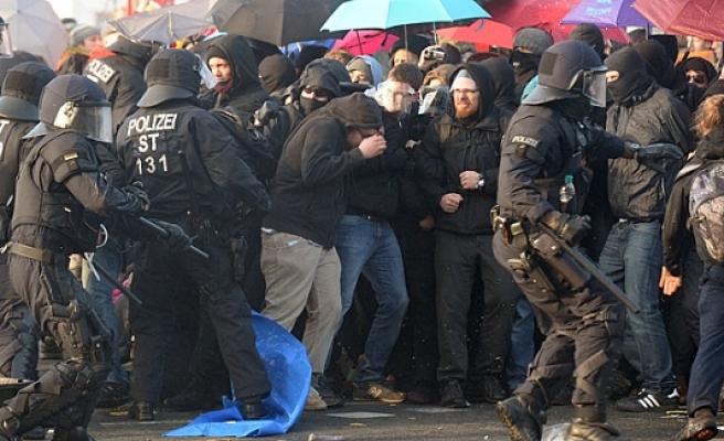 Batı medyası Frankfurt ayaklanmasını  bir günde unutturdu!