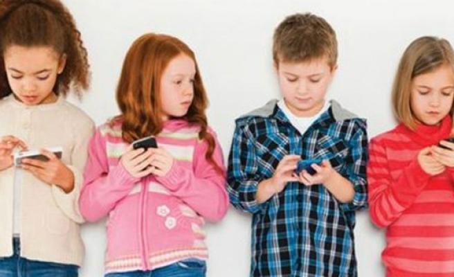 Cep Telefonları Çocuklara Verdiği Zarar!
