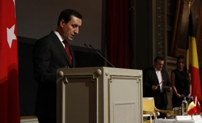 """Emrullah İşler Belçika'da konuştu: """"Sizler Belçika için de Türkiye için de çok kıymetlisiniz"""""""