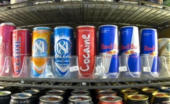 Enerji içecekleri sağlığınızı tehdit ediyor