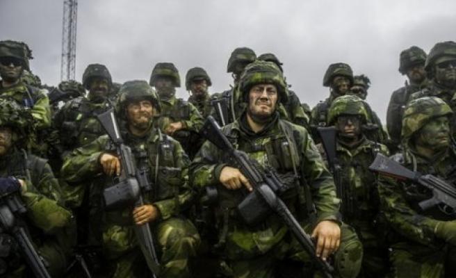 Çetelere karşı; 'Rinkeby, Husby, Hallunda'ya' asker yerleştirilsin önerisi