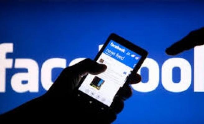 Facebook canlı yayın başlıyor...