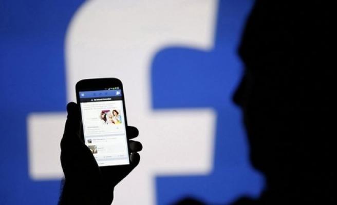 Facebook'tan 'Oy veriyorum' butonu