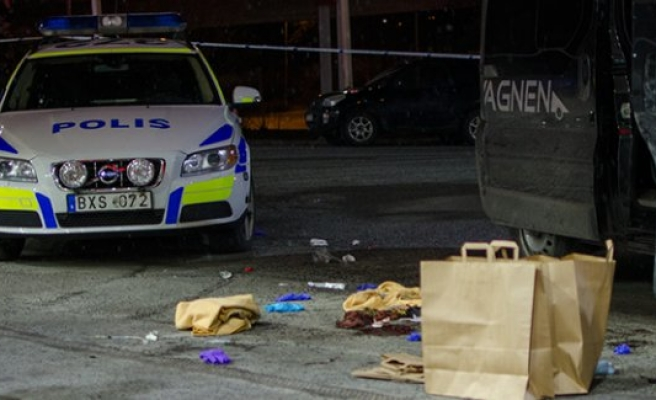 Fittja metrosu yakınında bıçaklanmış bir kişi bulundu