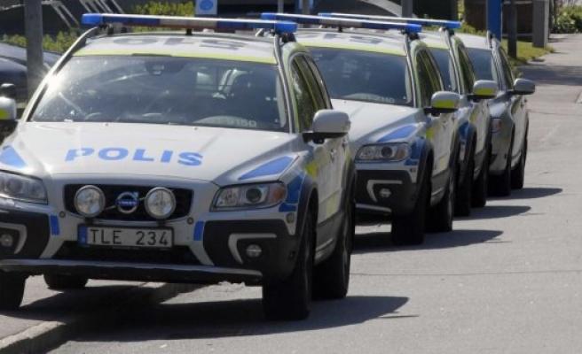 Göteborg'de bir baba eşi ve 3 çoğunu acımasızca öldürdü