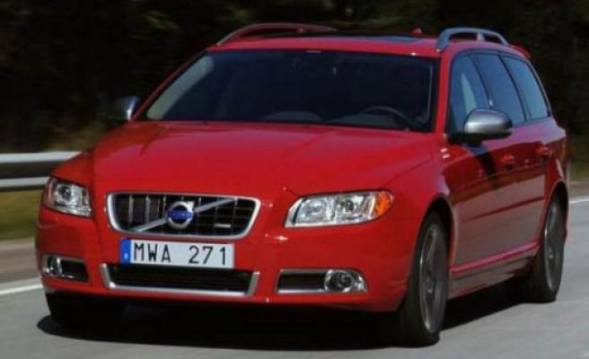Gurbetçi emekliler, Türkiye'ye 2 yıllığına araba götürebilecekler!
