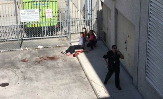 Havalimanında silahlı saldırı: 5 kişi öldü