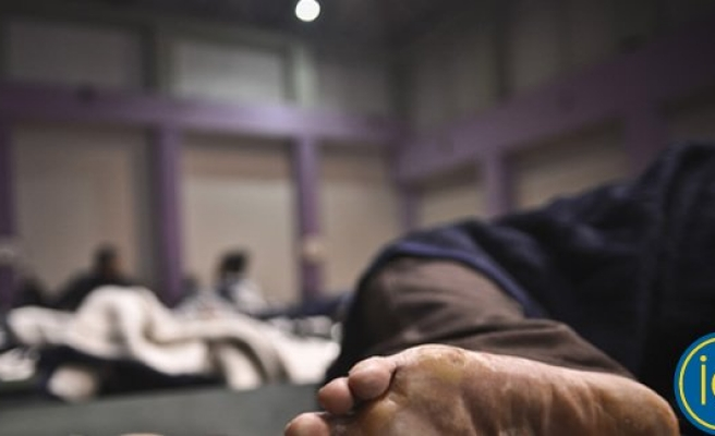 Huzurevindeki yaşlı kadına üç gün yemek, su vermediler!
