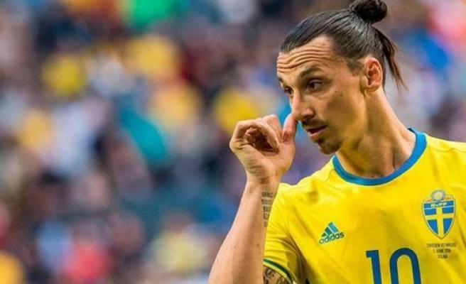 Ibrahimovic, İsveç Futbol Federasyonu'nuyla dalga geçti