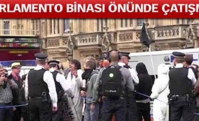 İngiltere seçimlerinde çatışma!