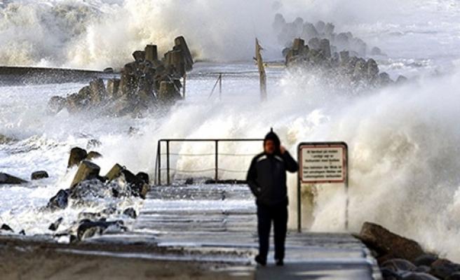 İskandinavya'da fırtının bilançosu ağır!