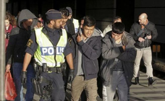 İsveç 80 bin ilticacıya çıkış vermeye hazırlanıyor...
