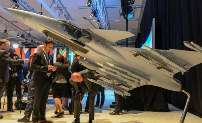 İsveç, Belçika'ya 34 tane savaş uçağı satacak