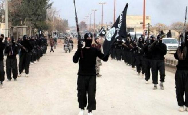 İsveç'e 7-8 DAEŞ'li terörist sızdı