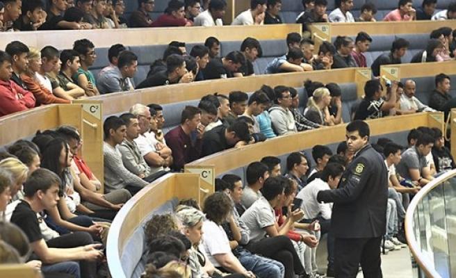 İsveç hükümet ortakları arasında Afganlı sığınmacı kavgası
