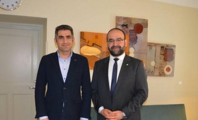 İsveç'in Kulu Fahri Konsolosu Doç. Dr. Erdal Akdeve, Bakan Kaplan'ı ziyaret etti