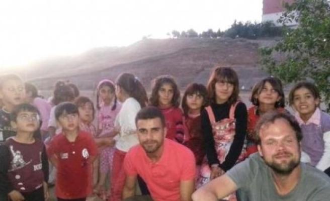 İsveç'li Sosyolog, sığınmacılara kucak açan Türkiye'yi övdü