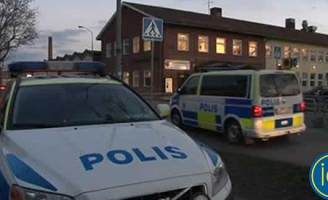 İsveç okulunda bomba tehditi!