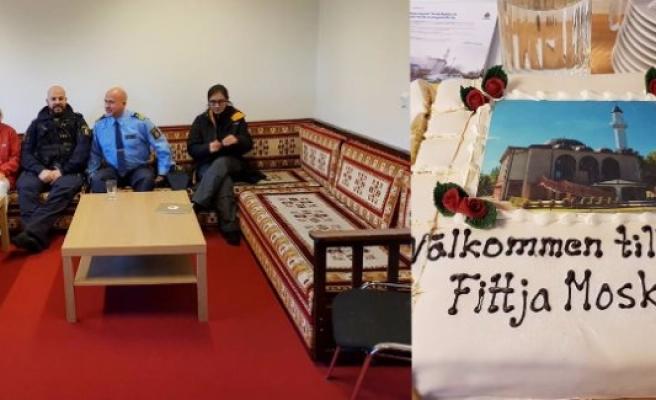 İsveç polis gününü, Fittja Ulu Camii'nde kutladı