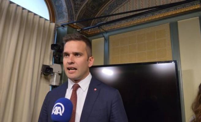 İsveç Sağlık Bakanı Wikström, Türk hayranlarından memnun